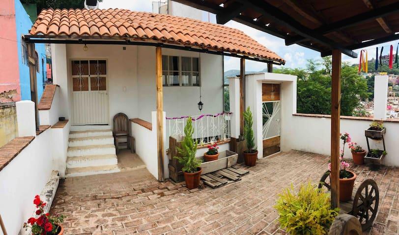Loft con Terraza y cocineta, Centro de Gto