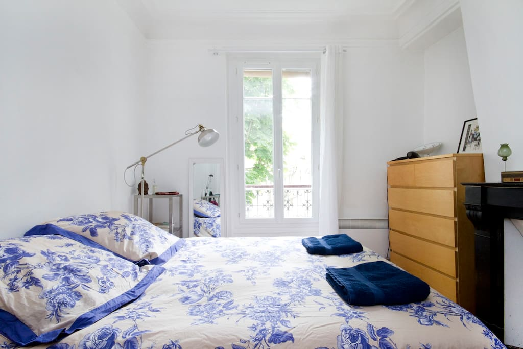 Bedsheets and towels are included in the rent price.