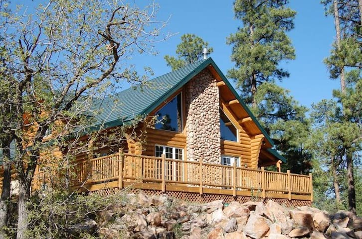 Wawona Lodge: Grand Canyon Favorite - Williams - Stuga
