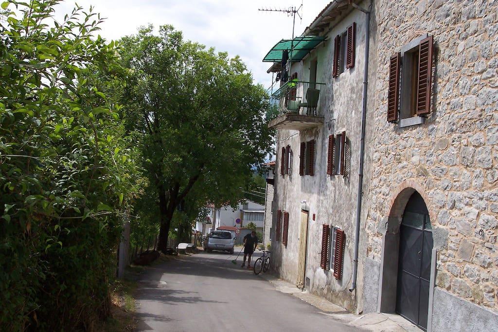 Notre maison en pierre à Montefegatesi