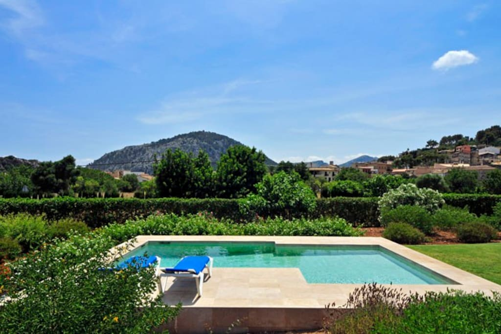 Fantastic Gardens and Pool with great views!
