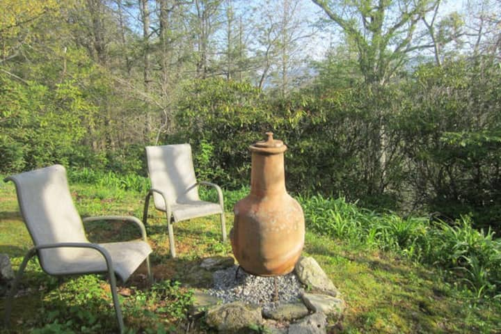 Rhododendron Ridge-live like a local+pets ok