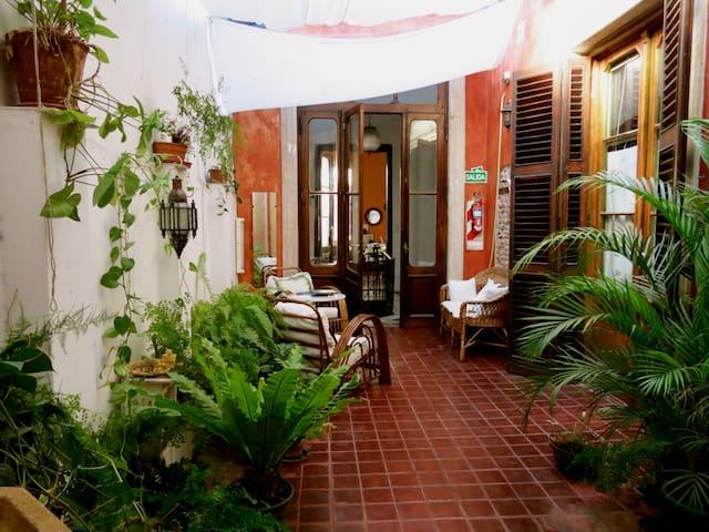 Habitación privada en casa colonial - Buenos Aires - Casa