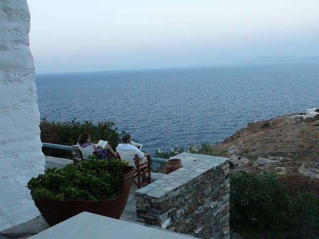 Sifnos Sea Surrounded FIRST - Kastro - Appartement