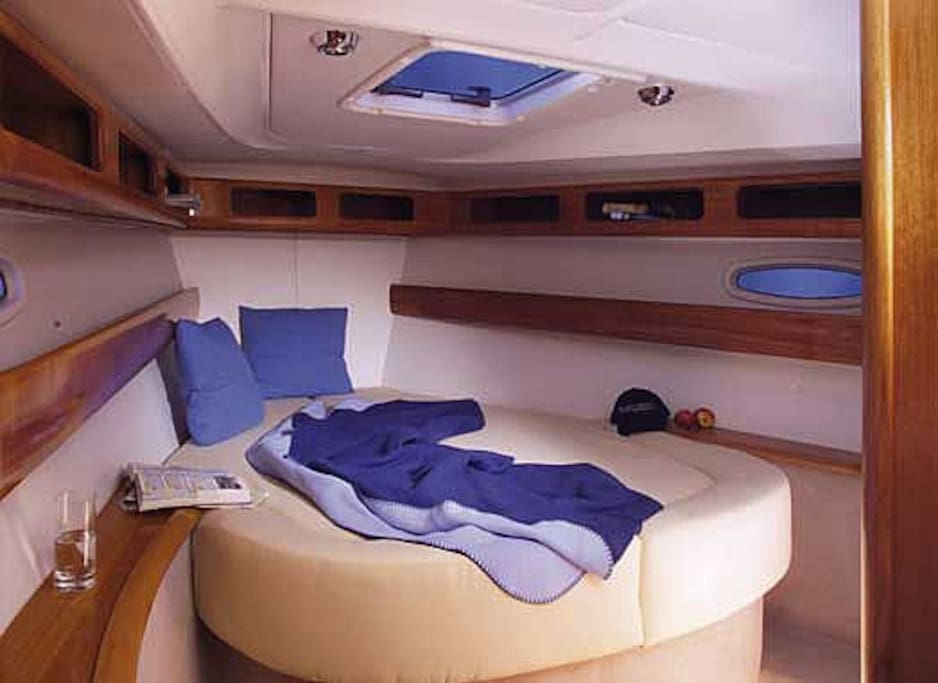 3 double beds cabins are on the boat.