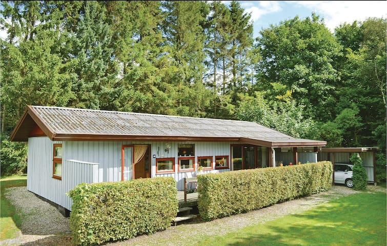 Holiday cottage with 3 bedrooms on 70m² in Toftlund