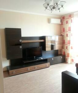 уютная квартира с всеми удобствами - Naberezhnye Chelny - 公寓