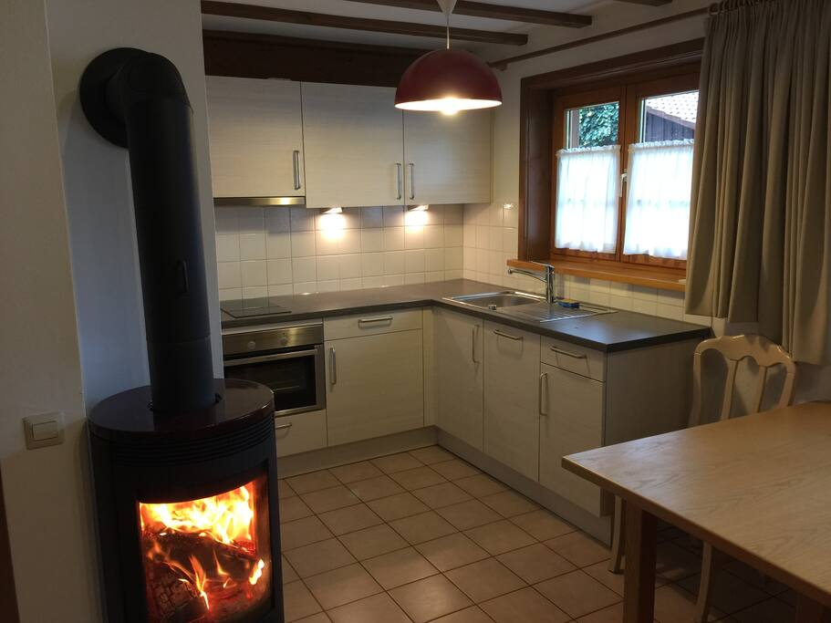 Brand new & fully equipped kitchen with dishwasher, oven and gourmet capsule coffee.