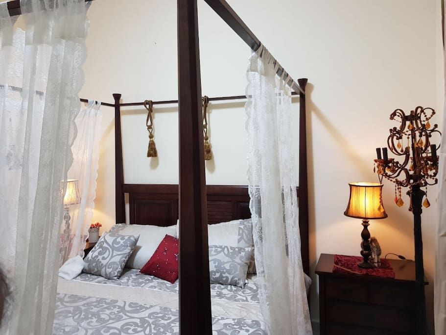 Live the true Arabian experience in this luxury bedroom