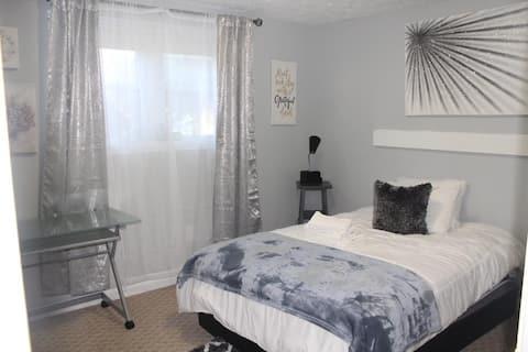 Modern Private Room Gaithersburg-Kentlands area