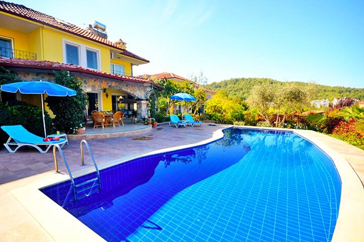 Rustic Charm Private Pool Villa 10-min to Ölüdeniz