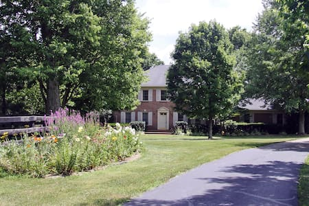 Charming Country Home close to the KY Horse Park - Georgetown - Ház