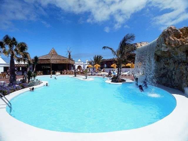 Villa on a 4* Resort Facing Pool - Costa Teguise - Villa