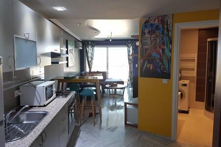 Appartement Meublé avec vue imprenable sur Mer