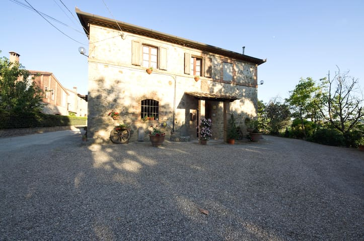 Santa Chiara b&b Monteriggioni - Monteriggioni - Departamento