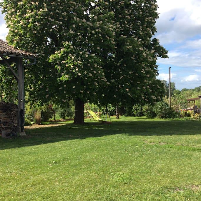 La Justinie communal lawn and outlook