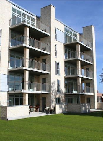 Fantastisk penthouse-lejlighed - Hinnerup - Byt