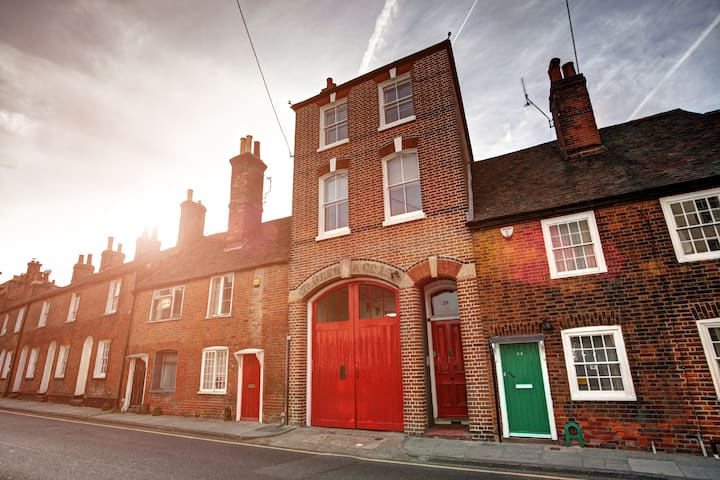 Arthouse-Funky Quirky Accommodation