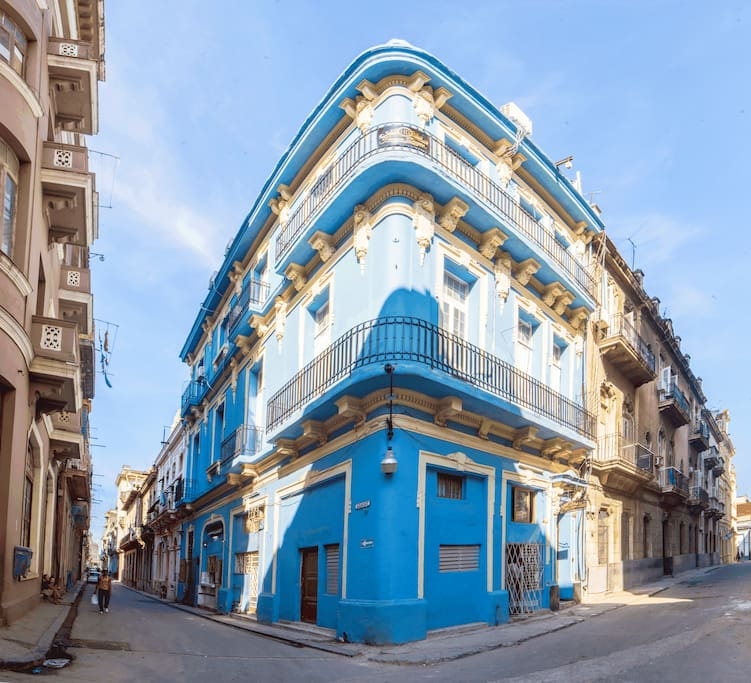 Welcome to Havana Dreams, our boutique B&B is located on the second and third floor of this beautiful building!