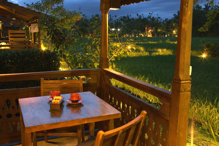 1BR Wooden rice field view villa at downtown Ubud