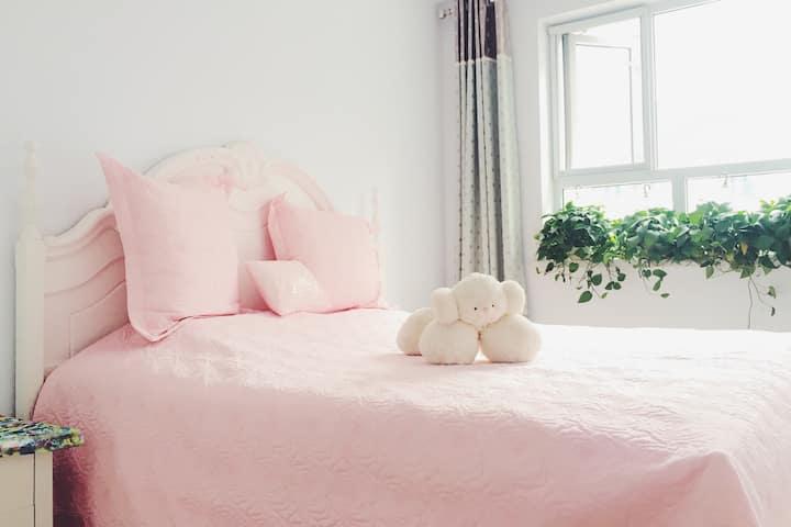 独立单间,位于城区,干净宽敞,天然乳胶床垫