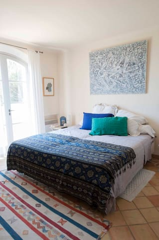 Family house within walking distance of the sea. - Ramatuelle - Dom