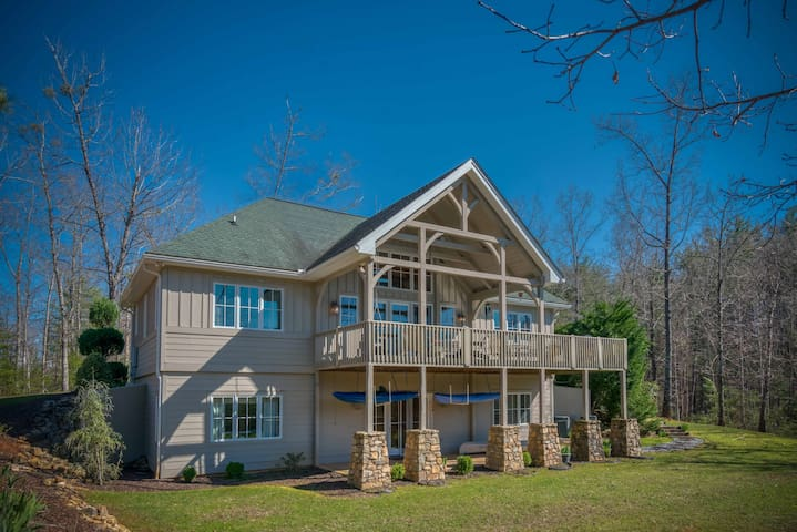 Your Fall and Winter Mountain Dream in the Foothills of NC