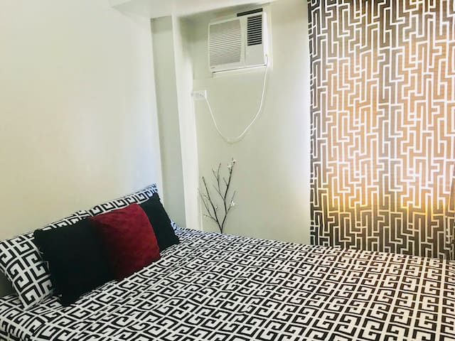 Value Suites Ayala Alabang Condotel 1Bedroom Daily