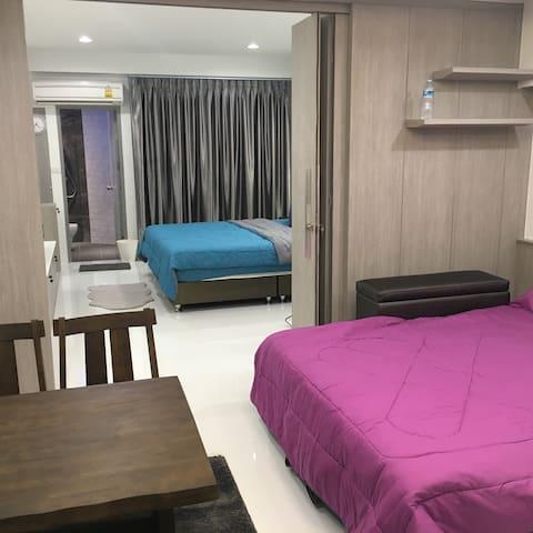Family Room Condo 1 NrShopingMkt PratunamFreeWiFi - Bangkok - Leilighet