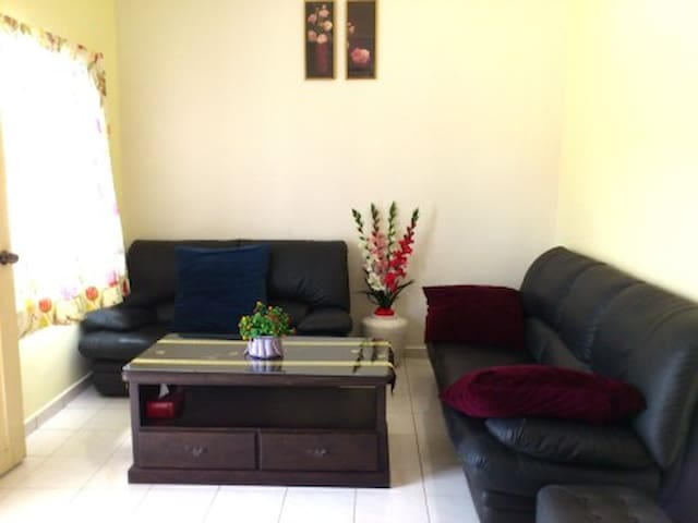 Jonker Vacation Home - Melaka - Radhus