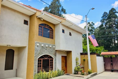 American Bed and Breakfast Gringo Central