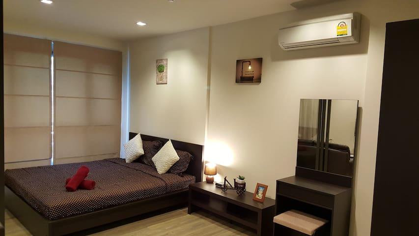 1 Bedroom pool access apartment - Bedroom.