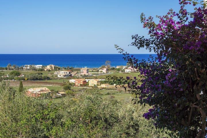 Almiros view  Θέα  Αλμυρού