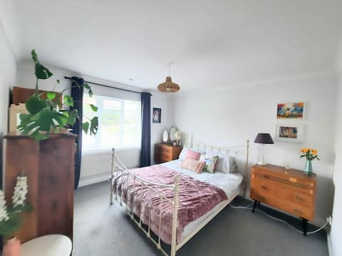 Shabby Chic  private room in shared flat with host