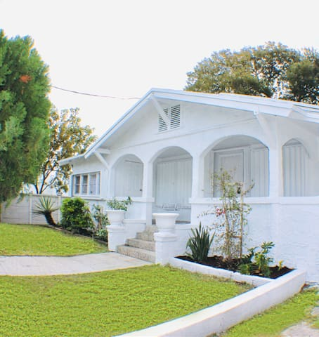 Wynwood Casa  Private 4 Bedroom House+FREE Parking