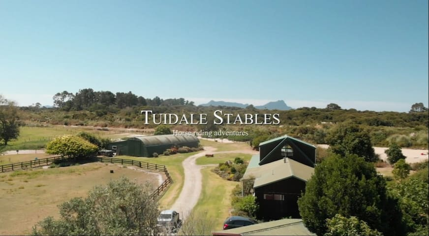 Tuidale Lodge & Stables, Coastal Country Hideaway