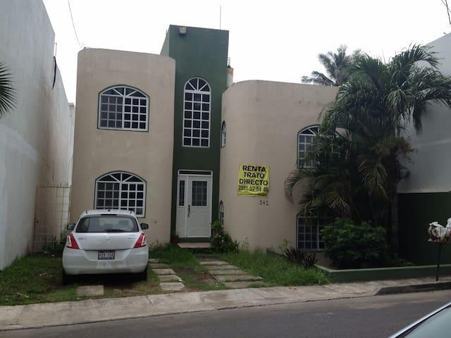Casa para días festivos, a 3 cuadras de la playa - Heroica Veracruz - Dom