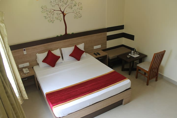 Room in a Boutique Hotel - Mathikere
