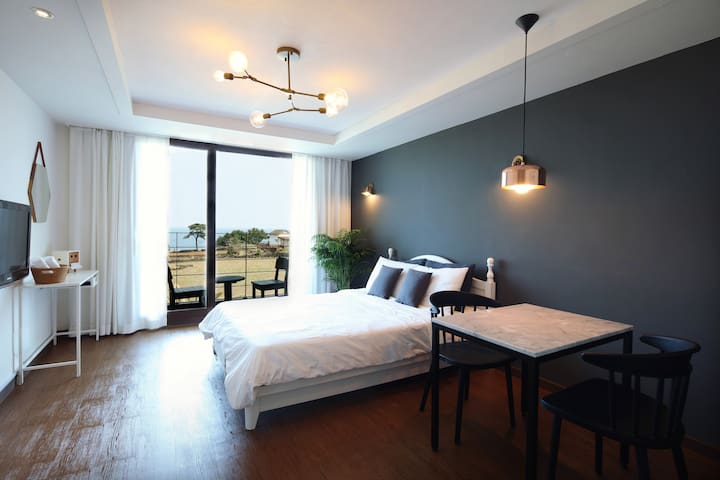 Chic & cozy House in Aewol with fabulous oceanview - Aewol-eup, Jeju-si - Pension (Korea)
