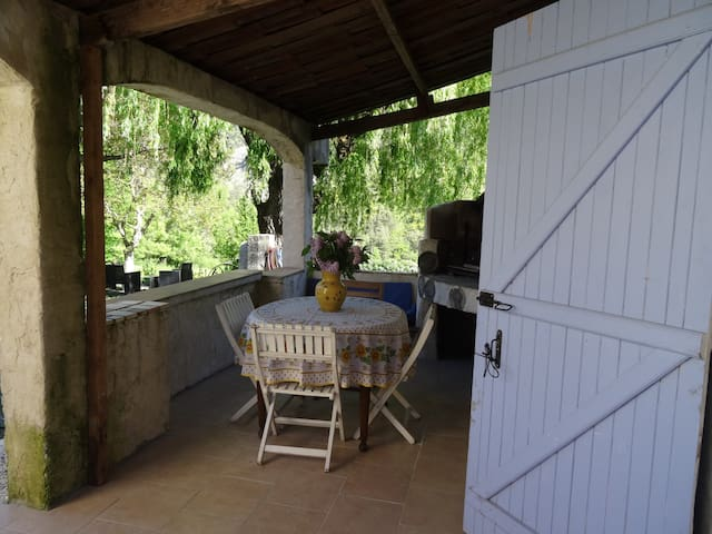 Le Paillon : appartment in Provence - Val-de-Chalvagne - Byt