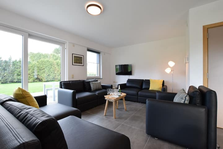 Refined Apartment inLéglise with Garden, Barbecue, Heating
