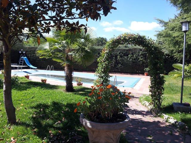 Amplia suite cercana al Escorial