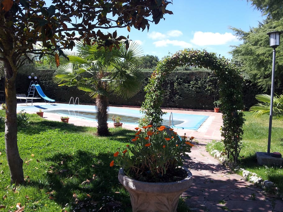 Amplia suite cercana al escorial chalets for rent in el - Chalet el escorial ...