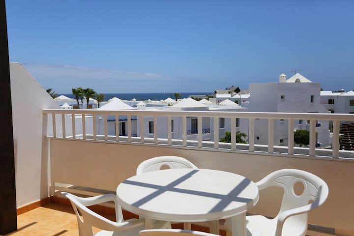 T303. Apartment in Costa Teguise.