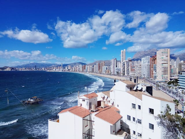 Apartment 1 bedroom, 68m Levante Beach