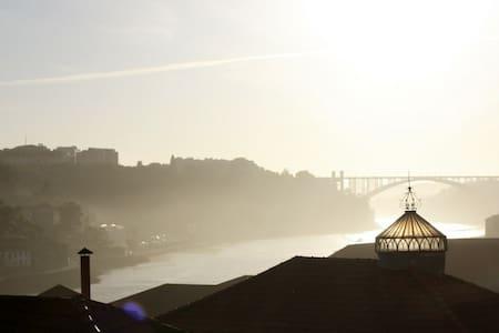 ..Sunny River View Room Porto Heart - Porto