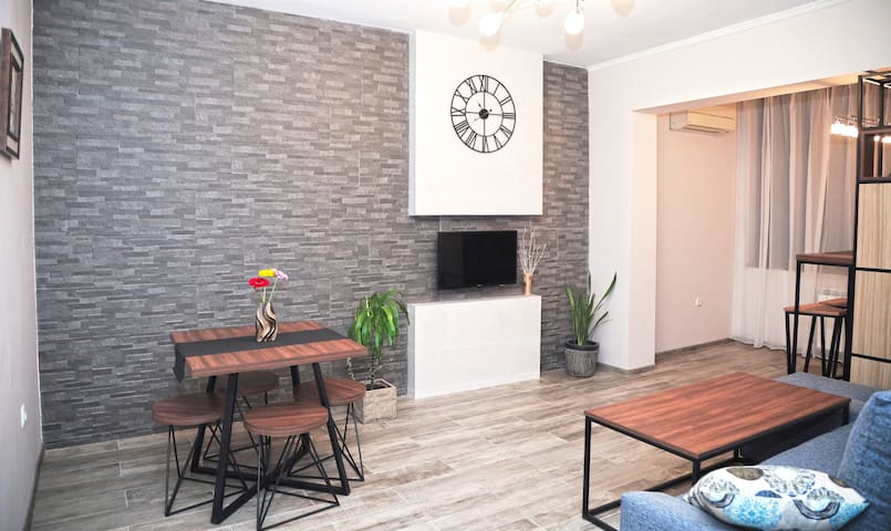 Modern and nice apartment near Republic sq.