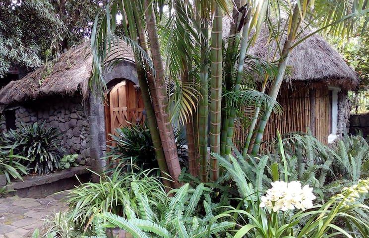 Cojol'Ya - Landmark at Lake Atitlan  Guest House
