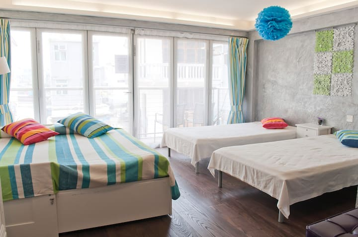 Modern family-friendly suite in fishing village