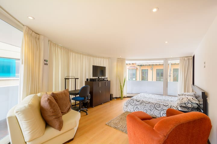 Full Suite - Historic Town- Bogota